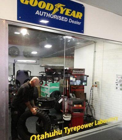 Otahuhu-Tyrepower-new-tyre-labratory